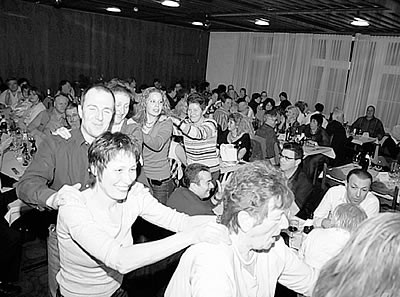 """Der erste Fanclubabend der Sivler-Birds im """"Rössli"""" in Eiken war sehr erfolgreich."""